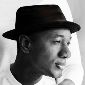Aloe Blacc in conversation with Roberto Flores